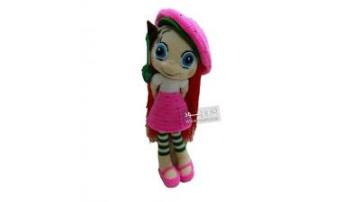 عروسک دختر توت فرنگی