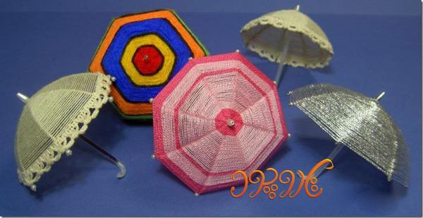 چتر زیبا ساخته شده از نخ های رنگی برای تزیین منزل