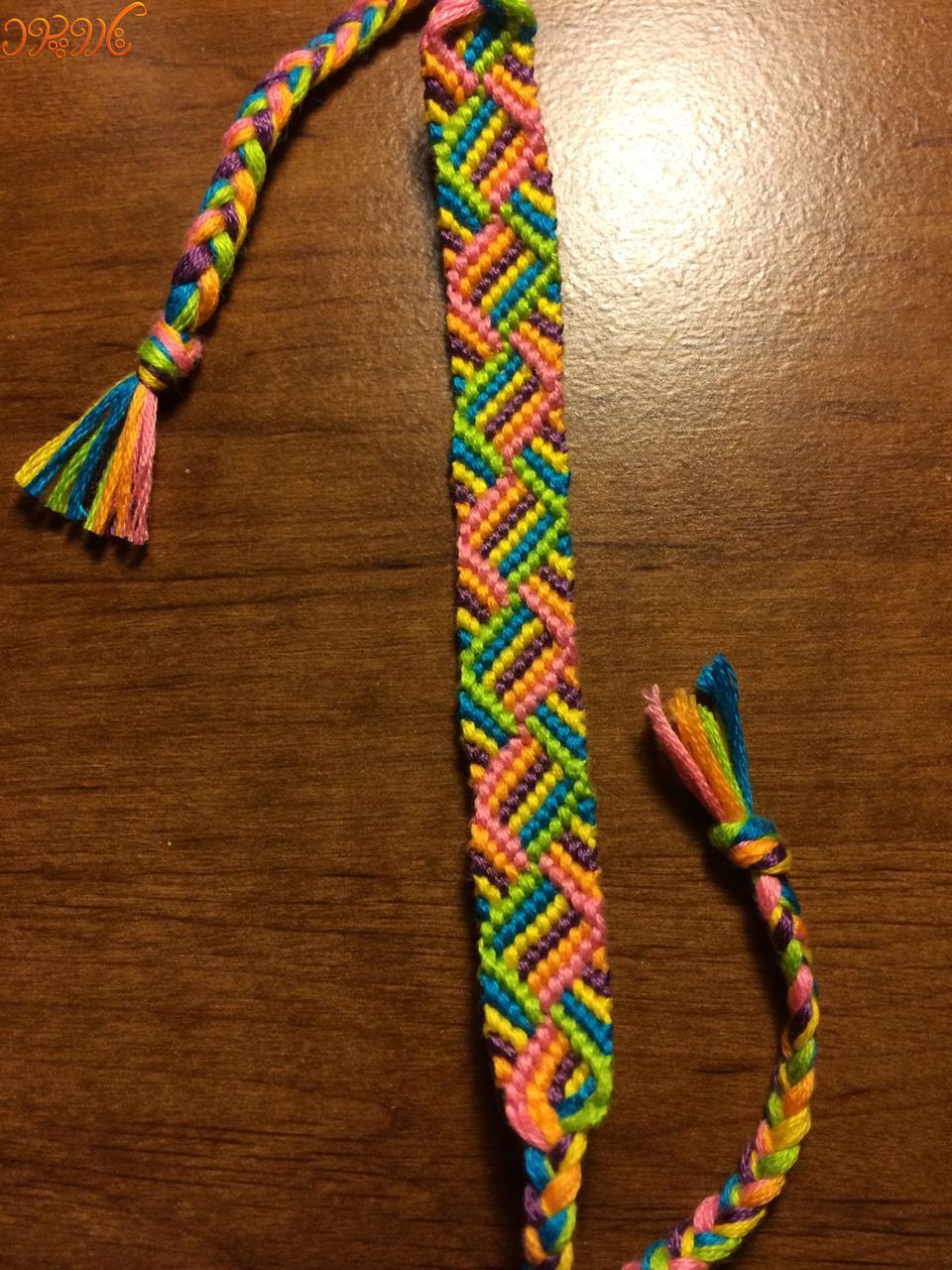 آموزش بافت دستبند دوستی زیبا و رنگارنگ تاروپود